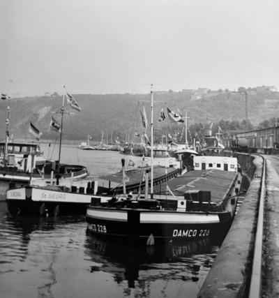 Damco 228 & St. Georg in Koblenz.