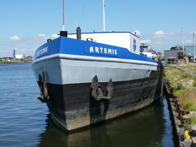 Artemis Terneuzen.