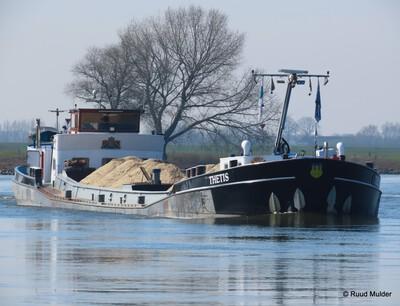 Thetis op de IJssel.