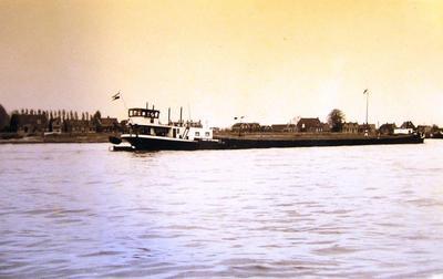 Damco 127 bij Papendrecht.