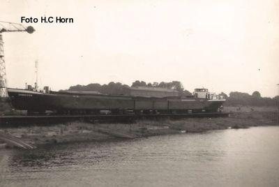Damco 234 tijdens de verlenging bij Scheepswerf De Waal in 1965.