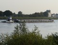 Panta-Rhei met de duwboot Rheine op de Lek.