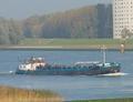 Fueltrans op de Oude Maas.