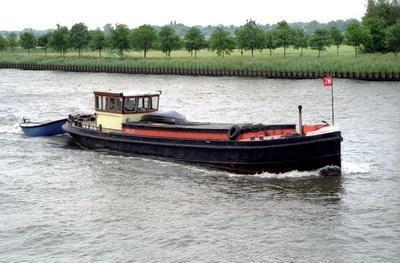 De Animist op het Amsterdam-Rijnkanaal.