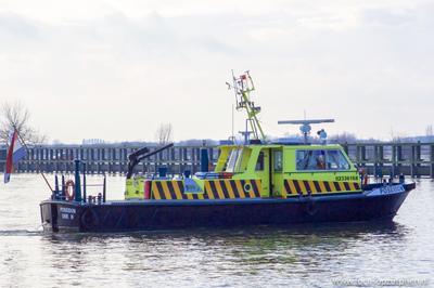 De Poseidon op de IJssel in Zutphen.