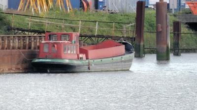 Liggend in de Waalhaven Rotterdam.