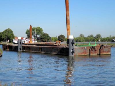 De Voorbij III bij de bouw van de nieuwe hefbrug in de Extra Gouwekruising Gouda.