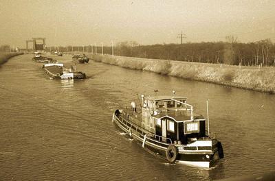 De Ridi in 1959 met de Neptun 46 op het Dortmund-Ems-Kanal.