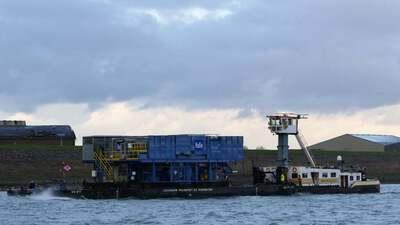 WD Sr 7 met de duwboot Matricaria.
