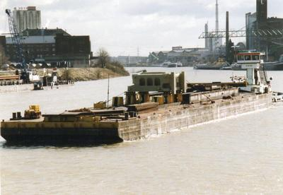 5511 met de duwboot Sirius Krefelder Hafen.