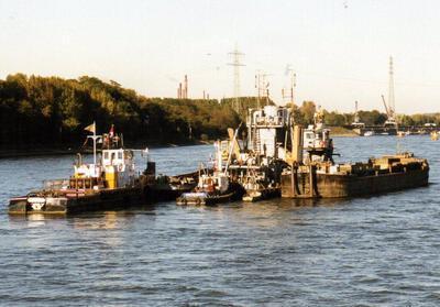 DD 503 & DD 501 met de duwboot Rupertus Reisholz.