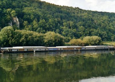 Lastdrager 40 met de duwboot Zwabo 5 Regensburg.