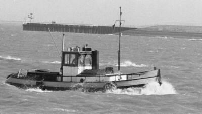 Onbekende motorsleepboot in Breskens.