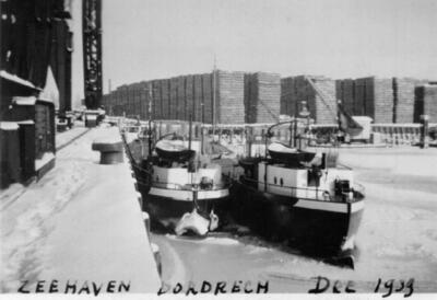 Rheinunion 6 in de Zeehaven in Dordrecht.